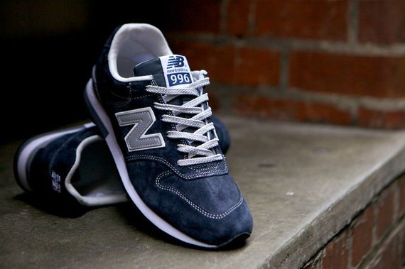 new balance-996-navy-beige_19