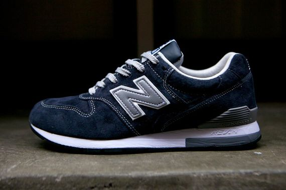 new balance-996-navy-beige_22