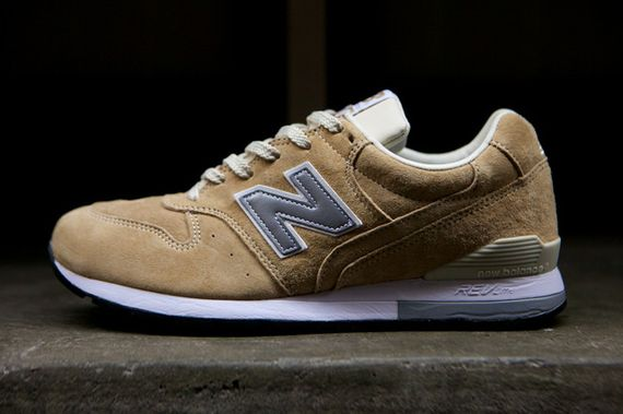 new balance-996-navy-beige_24