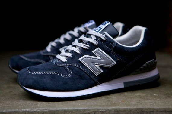 new balance-996-navy-beige_26