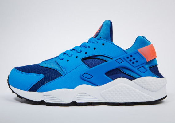nike-air-huarache-gym-blue-photo-blue-mango-01-570x400