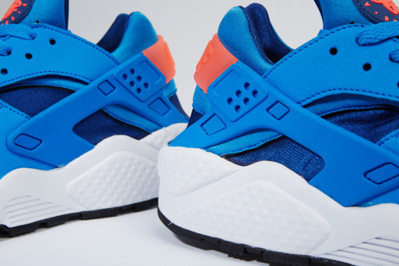 nike-air-huarache-gym-blue-photo-blue-mango-05-570x381