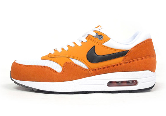 nike-air-max-1-white-orange-black-5