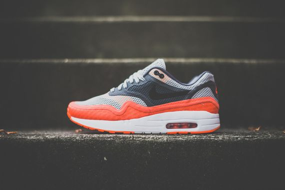 nike-air max breathe-team orange