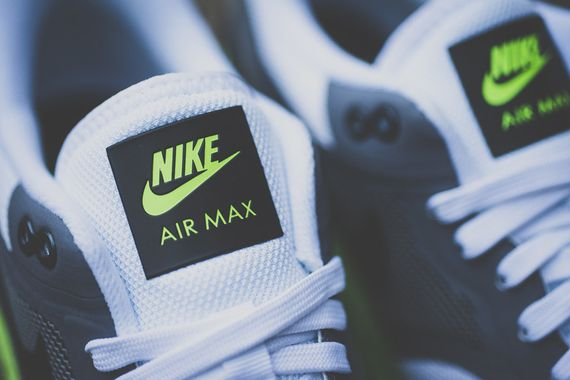 nike-air max lunar1-black-volt_03