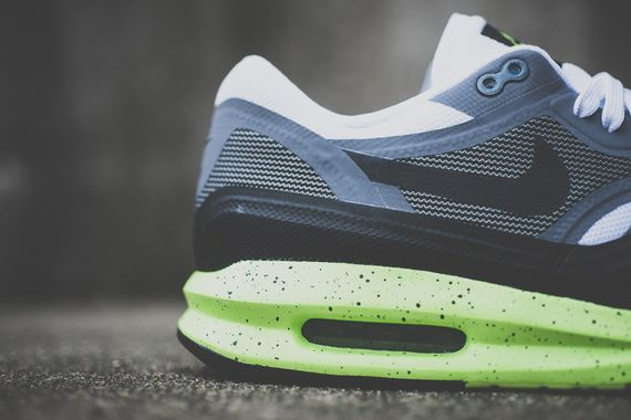nike-air max lunar1-black-volt_04