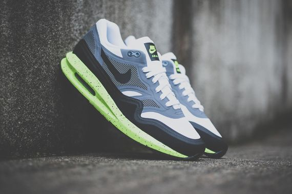 nike-air max lunar1-black-volt_06