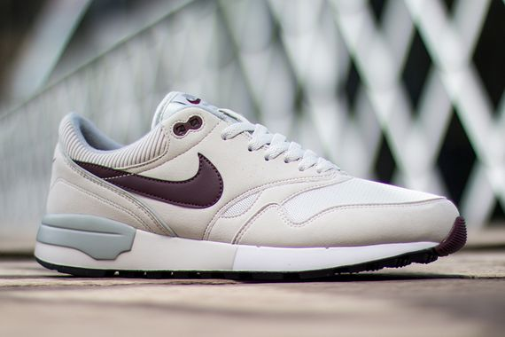 nike-air odyssey-light bone_04