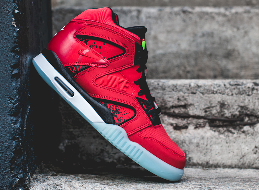 nike-air-tech-challenge-hybrid-chilling-red-black-white-2