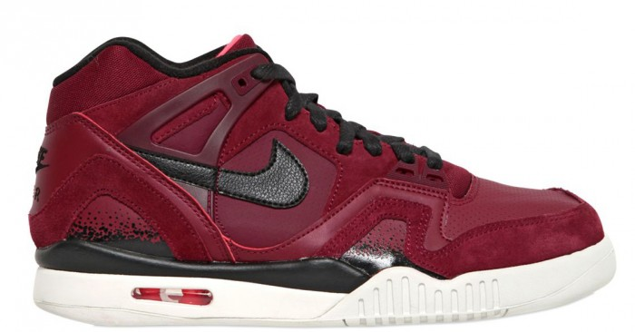 nike-air-tech-challenge-ii-burgundy-1-700x366