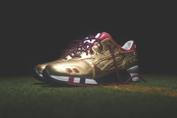 ronnie fieg-asics-kith football_03