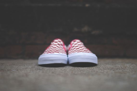 vans-slip on-checkerboard-white-red_04