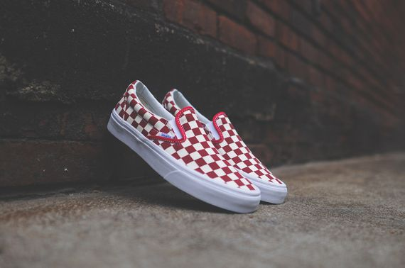 vans-slip on-checkerboard-white-red_08