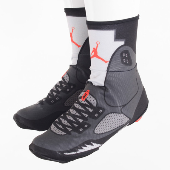 air-jordan-5-shoe-covers-06-570x570