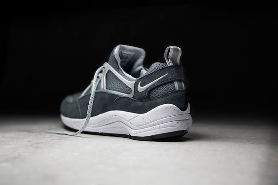 foot patrol-nike-air huarache-concrete_04
