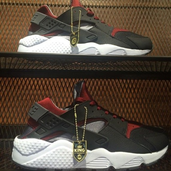 nike-air-huarache-black-red-grey-01-570x570