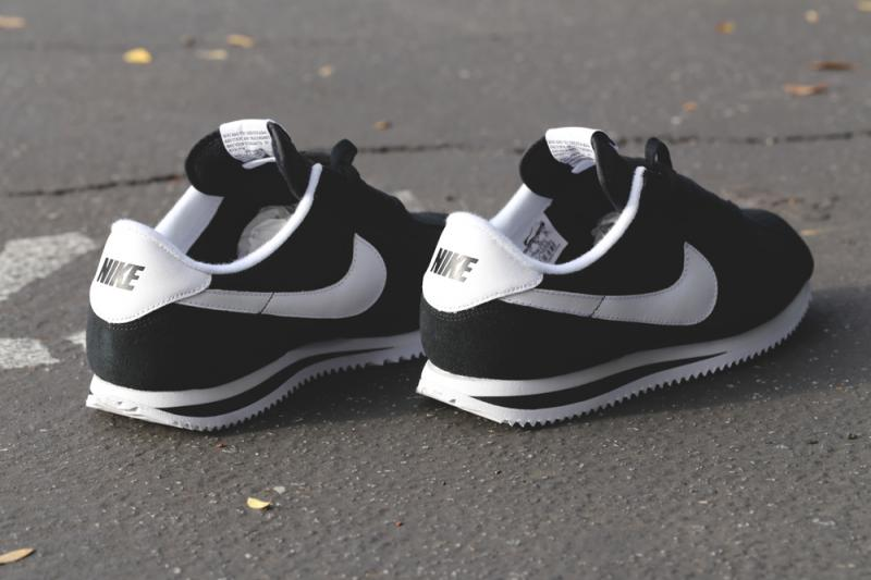 nike-cortez-basic-nylon-black-white-3