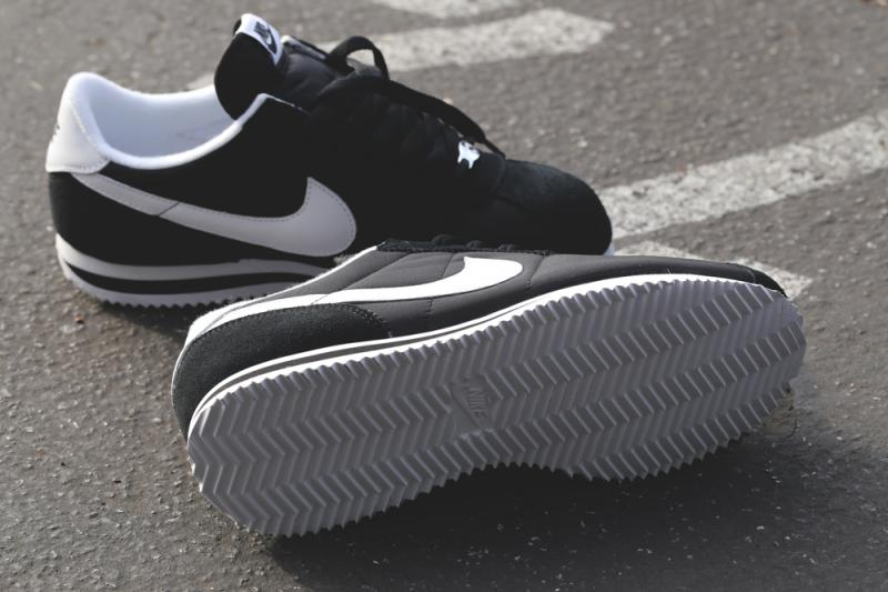 nike-cortez-basic-nylon-black-white-4