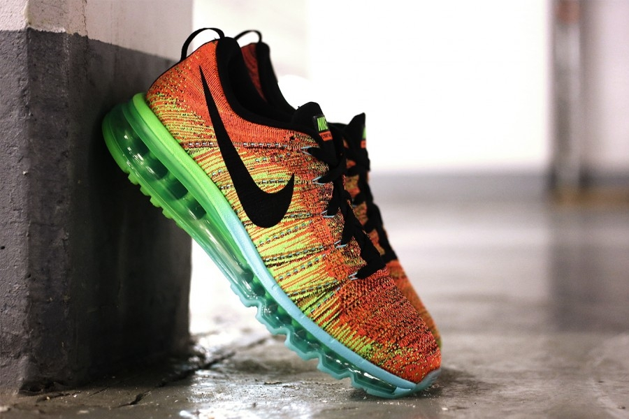 nike-flyknit-air-max-atomic-orange-vivid-blue-volt-04