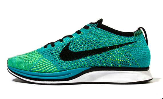 023014db8ad8a Nike Flyknit Racer
