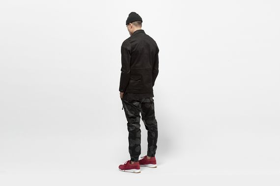 publish-novelty-jogger_09