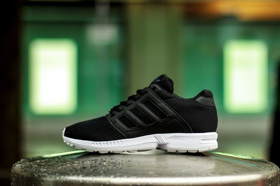 adidas-zx flux 2.0-black-white_02