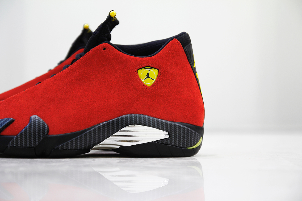 air-jordan-14-XIV-retro-ferrari-4