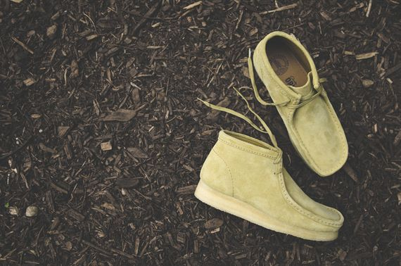 clarks-wallabee-maple suede