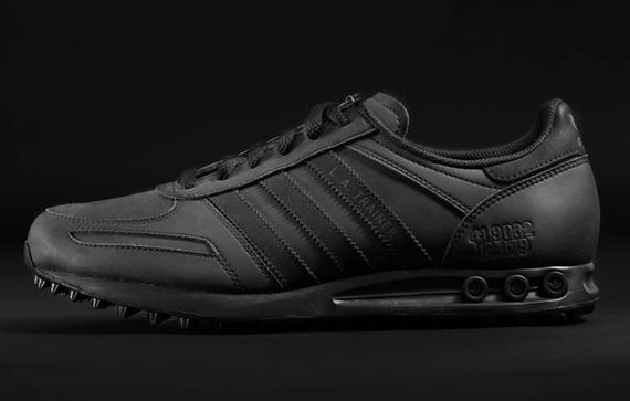 nike-adidas-foot locker-all black everything_05
