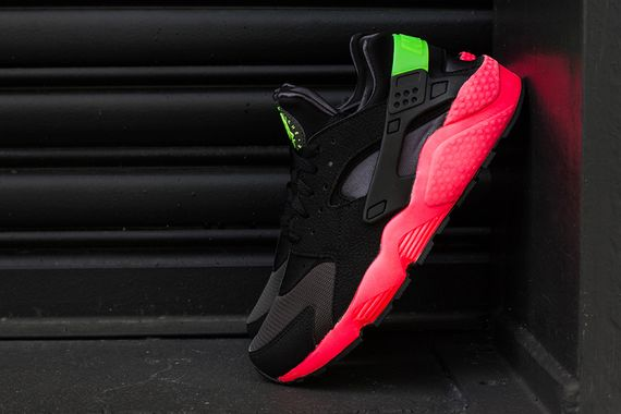 nike-air huarache-hyper punch