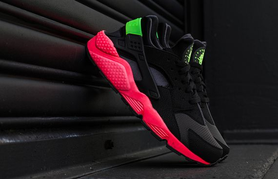 nike-air huarache-hyper punch_03