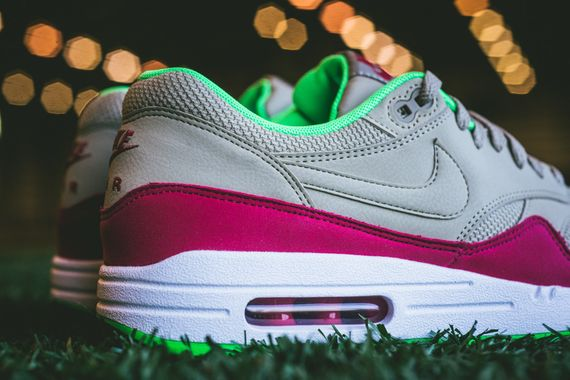 nike-air max 1-fuschia force-poison green