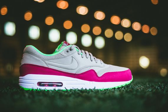 nike-air max 1-fuschia force-poison green_02