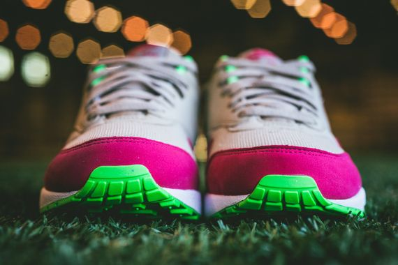 nike-air max 1-fuschia force-poison green_04