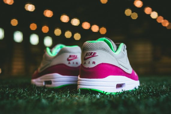 nike-air max 1-fuschia force-poison green_05