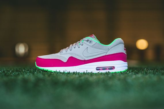 nike-air max 1-fuschia force-poison green_07
