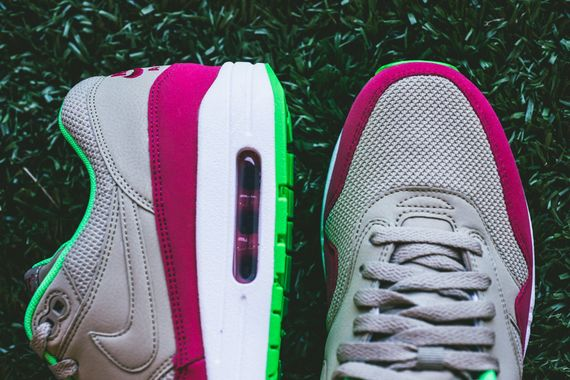 nike-air max 1-fuschia force-poison green_08