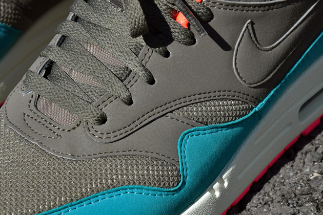 nike-air-max-1-gris-bleu-infrared-6