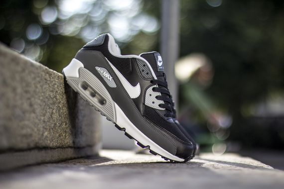 nike-air max 90-black-white-grey_04