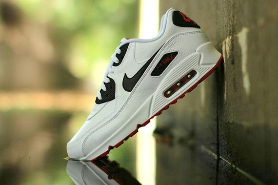 nike-air max 90 leather-white-black-red_04