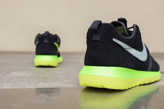 nike-roshe run nm-black-silver-volt_05