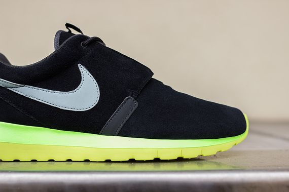 nike-roshe run nm-black-silver-volt_06