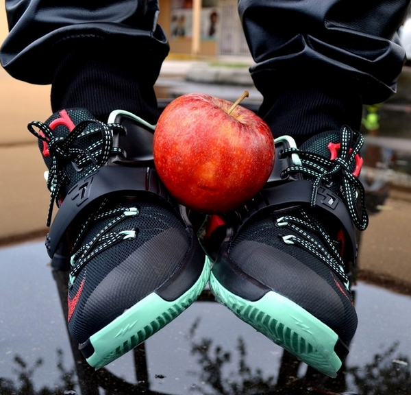 Nike-KD-7-good-apple-on-feet-images-1