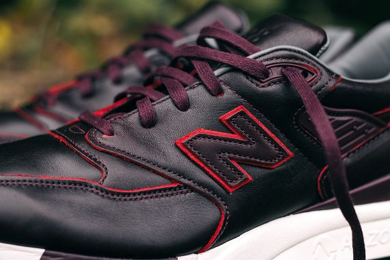 new balance-horween-998-black-burgundy_02