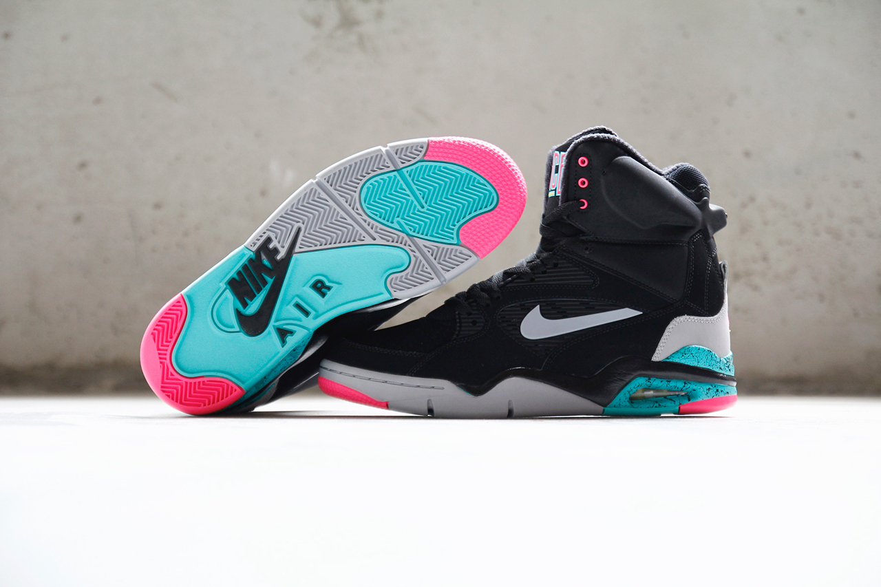 http://www.modern-notoriety.com/wp-content/uploads/2014/09/nike-air-command-force-pump-spurs-1.jpg