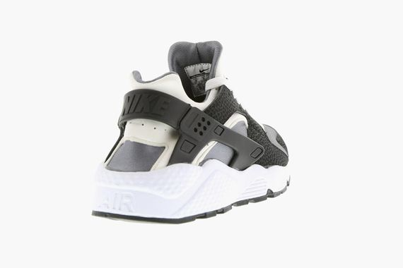 nike-air huarache-white-black-platinum_02