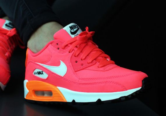 nike-air max 90 gs-total orange-hyper punch_05