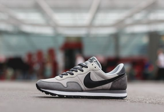 nike-air pegasus 83 ltr-black-grey