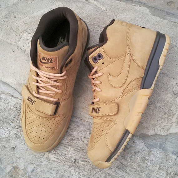 nike-air-trainer-1-wheat-01