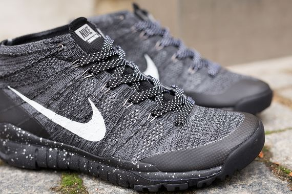 nike-flyknit trainer chukka-black-grey